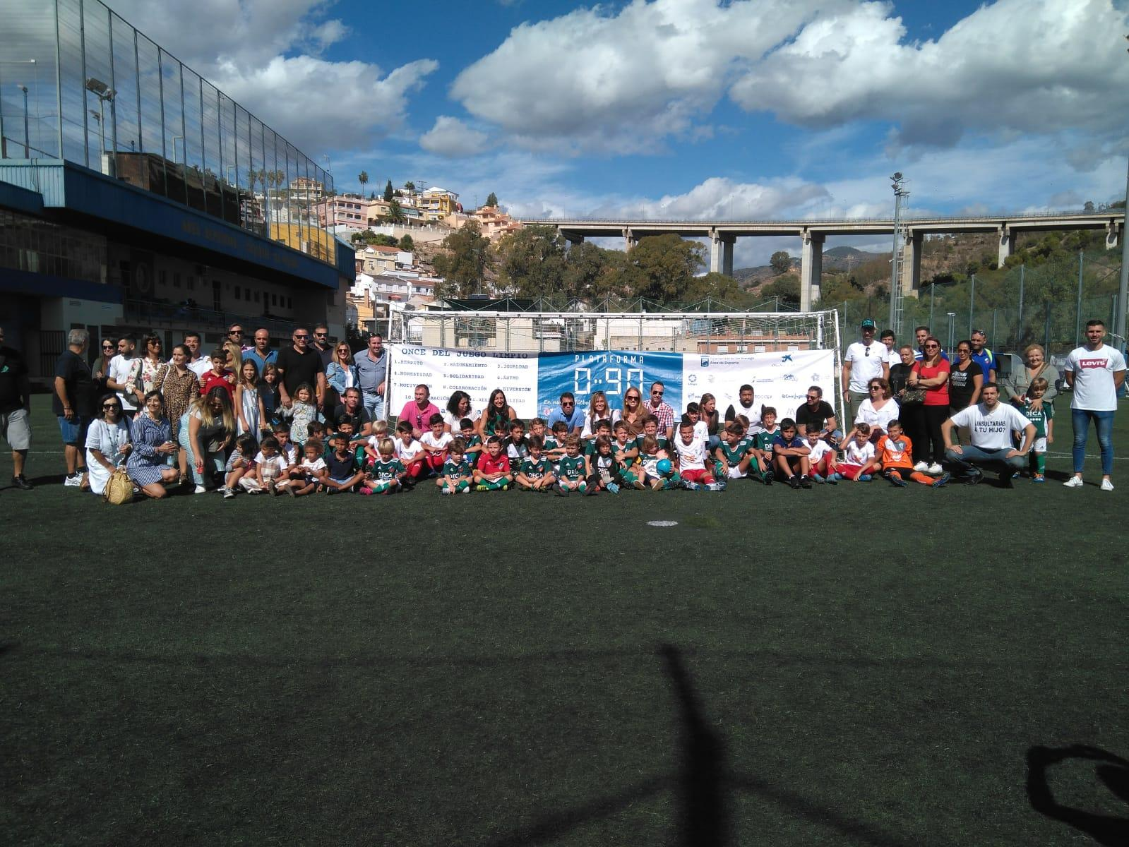 Primeras visitas de los embajadores 090 a los campos de fútbol de la ciudad de Málaga en competición oficial